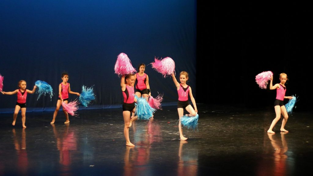 Mouvement Corps et Danse POM POM GIRLS