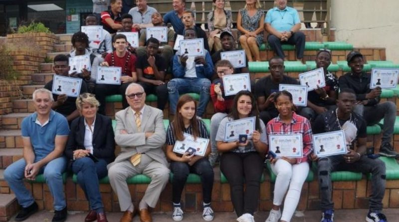 Les jeunes diplômés de l'AEPC à l'honneur pour la rentrée