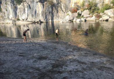 Les jeunes des Sorbiers en Ardèche !
